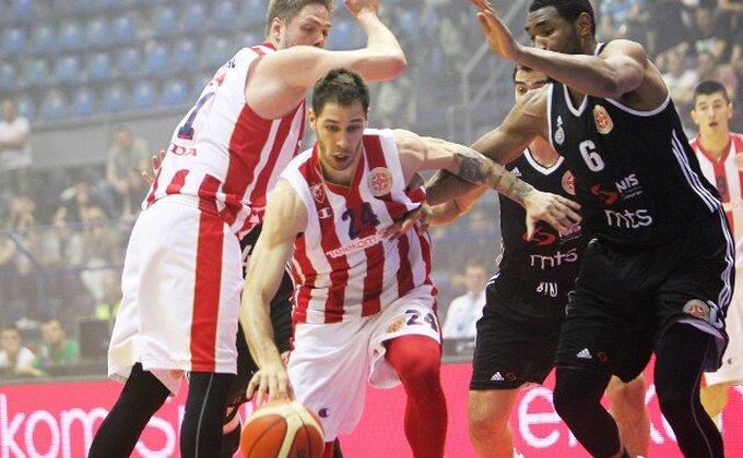 Šampion vodi - Zvezda nemilosrdna prema Partizanu!
