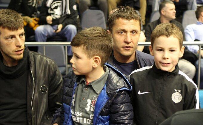 Fudbaleri Partizana bodrili košarkaše protiv PAOK-a