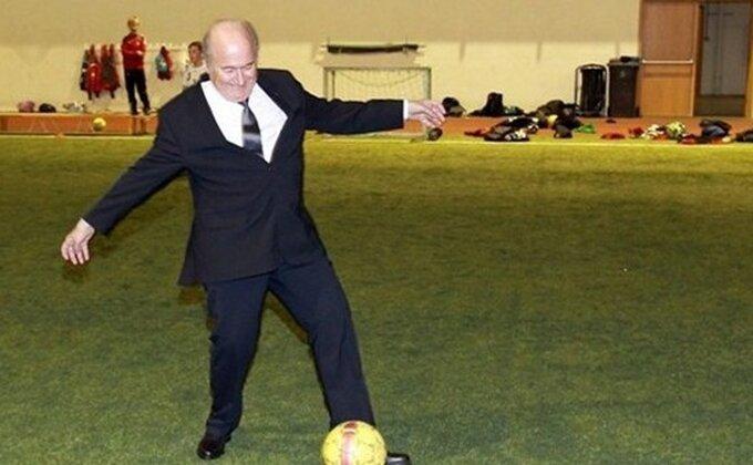 Blater ''pikao'' fudbal na Islandu