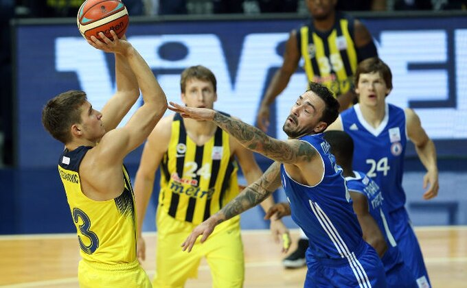 EL - Armani namučio Fener pred meč turskog šampiona u Beogradu!