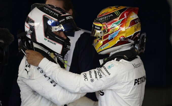 F1 - Duplo slavlje Mercedesa u Silverstonu, Hamilton za istoriju, Fetel podbacio!