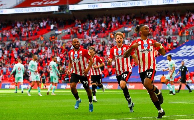 Najnesrećniji crveni karton ikada, dva ekspresna gola - Brentford konačno u Premijer ligi!
