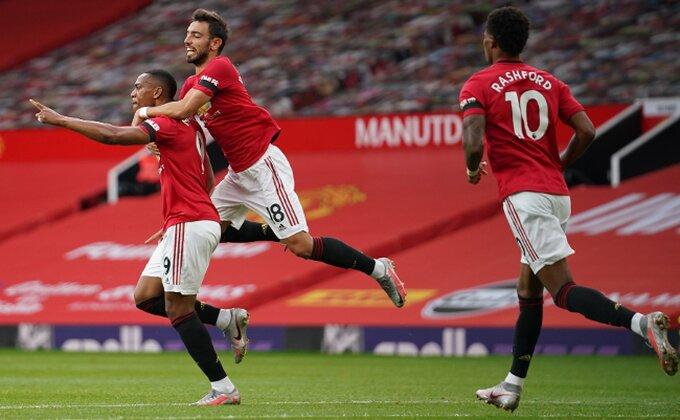 Lion poleteo visoko, fudbaler Junajteda ih glatko odbio