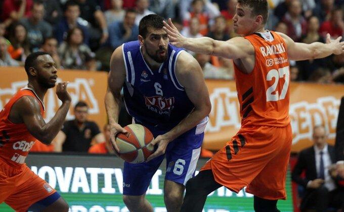 Teška povreda Barovića, svi se hvatali za glavu!