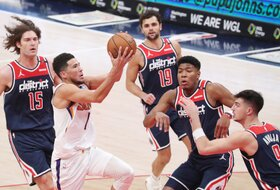Poznato ko menja Dejvisa na Ol-staru, Lebron nezadovoljan odlukom NBA lige!