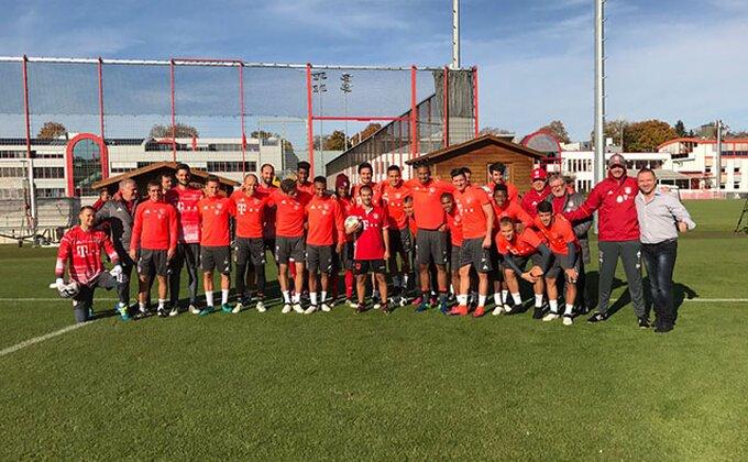 Fristajler iz Albanije pokazao svoje fore igračima Bajerna