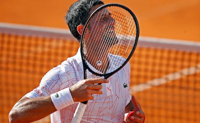 """Najbolji italijanski teniser svih vremena: """"Novak ima psihičkih problema, misli da je bog"""""""