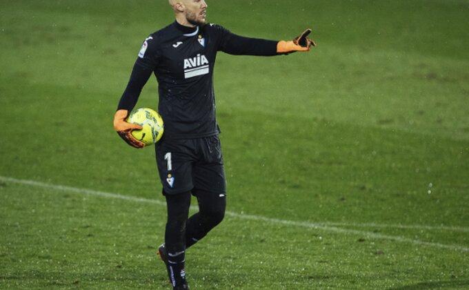 Saznajemo - Dmitrović odbio velikane zbog ponude iz snova! Ovo je naš najveći golmanski transfer?!