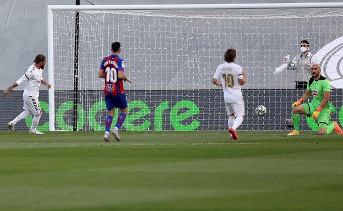 Realu dovoljno pola sata, Dmitrović tri puta vadio loptu iz mreže
