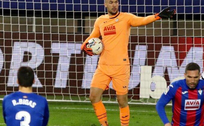 Dmitrović menja klub, ali ostaje u Primeri?