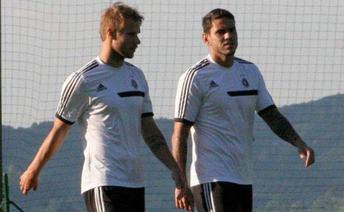 Do 2016. igrao za Partizan, od tad promenio DEVET klubova!