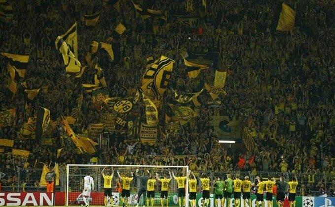 Blago Liverpulu i Dortmundu sa ovakvim navijačima!