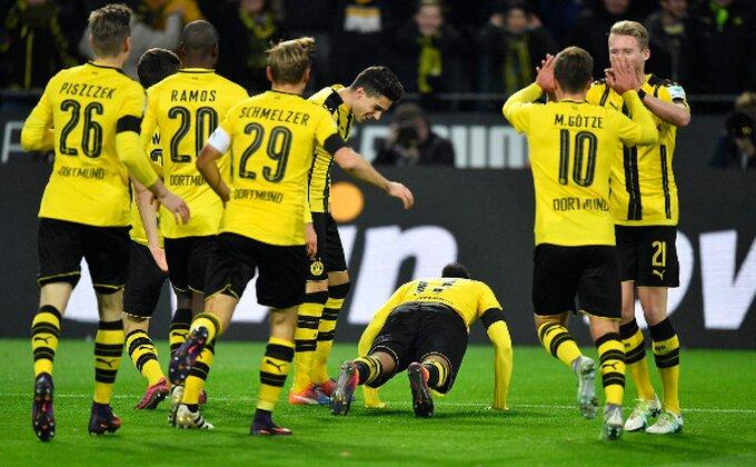 Sudija, zažmuri sada! Dortmundova akcija iz snova poništena zbog ofsajda!