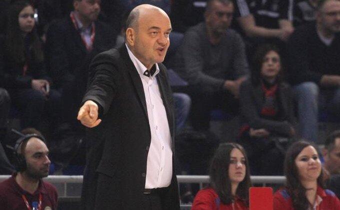 Izrečene kazne Budućnosti i Partizanu