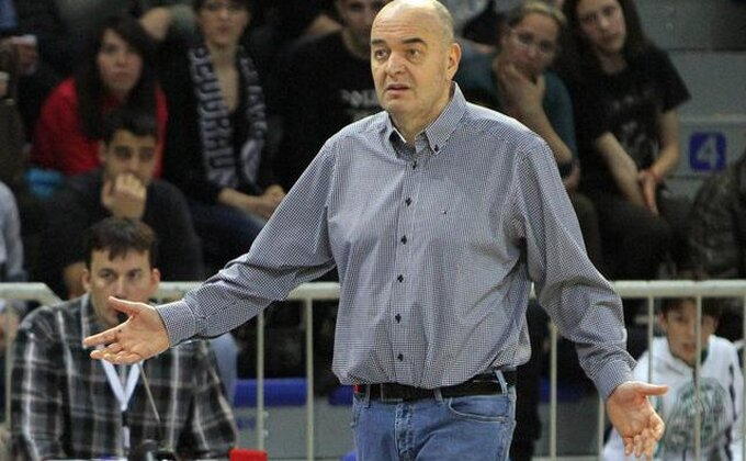 Magija košarkaša Varezea!