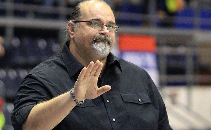Crno na belo - Džikić otkrio koga je želeo u Partizanu i koliko mu košta tim!