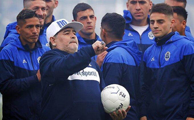 Loša vest iz Argentine, drži se, Maradona!