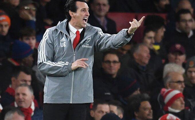 Emeri broji sate, da li je ovo novi trener Arsenala?