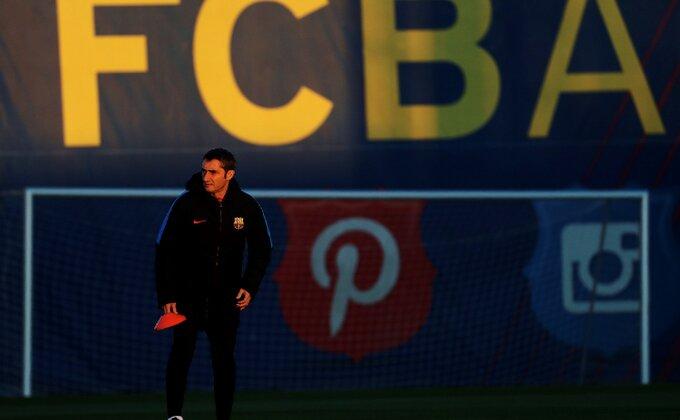 Dvojac otišao iz Barse, Valverde besan na klub, hoće li Abidal održati obećanje?