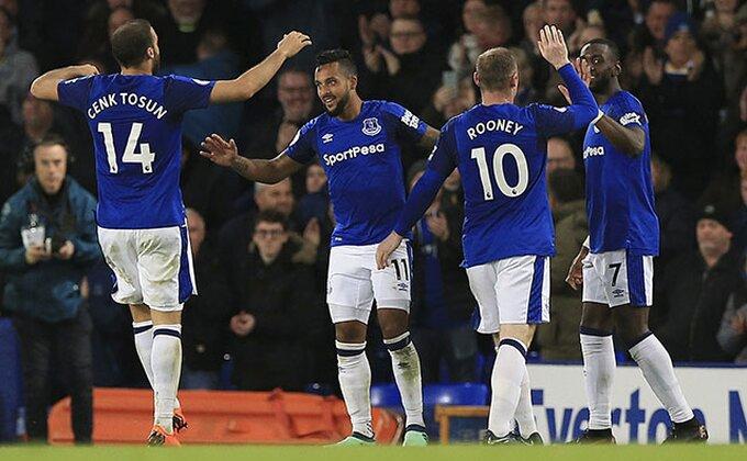 Everton želi napadača Barselone