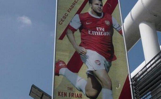 Arsenal - Navijači iskoristili slavlje za ''osvetu'' Fabregasu!