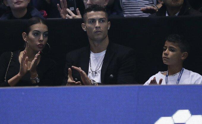 "Kako navijač Milana reaguje kada ga bodri zvezda ""Bjankonera""?"