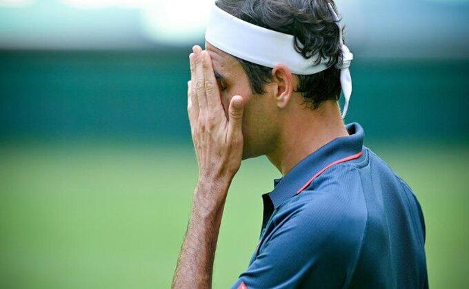 Federer više ne liči na sebe, zabrinjavajući detalji posle poraza u Haleu