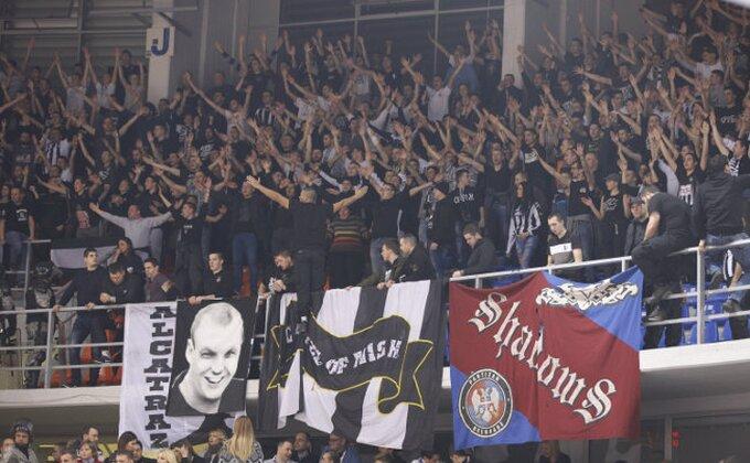 Navijači Partizana su besni, a Zvezdini likuju! (TVITOVI)