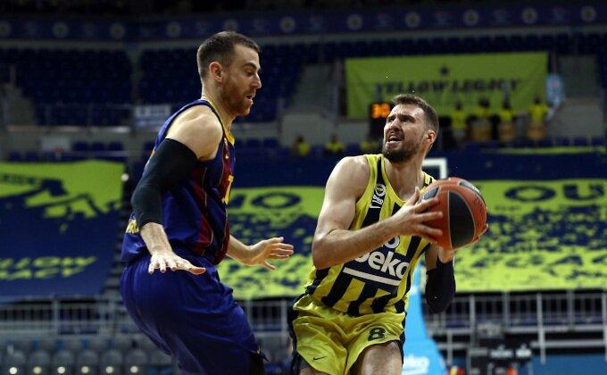 Evroliga - Barsa dobila Kokoškova u Istanbulu, Feneru ne pomaže ni odlični Gudurić!