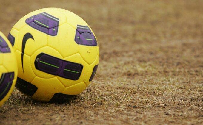 Ono kad bi i kengur da zaigra fudbal