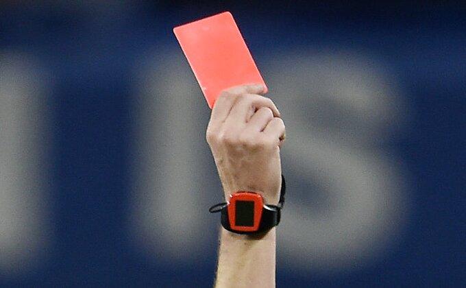 Nestvarno, imamo najluđi crveni karton i to u Ligi 1