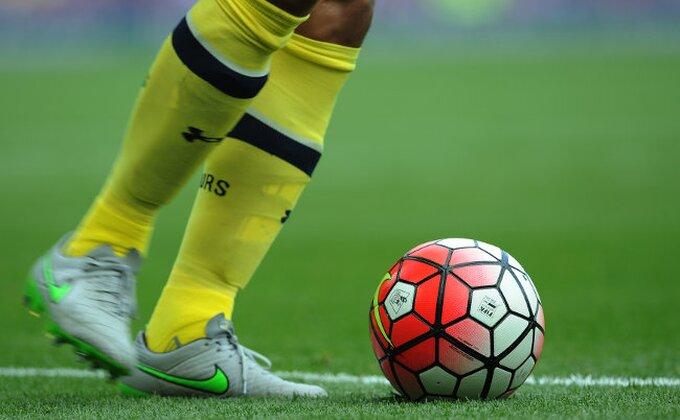 "Ludo pravilo za dobrobit mladih fudbalera - Englezi uvode ""12. igrača"""