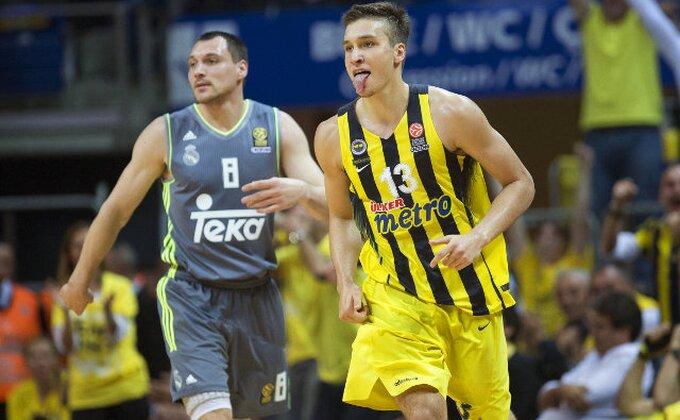 EL - Zalud Bogdan rešeta, Zvezdi loše vesti sa Bosfora!