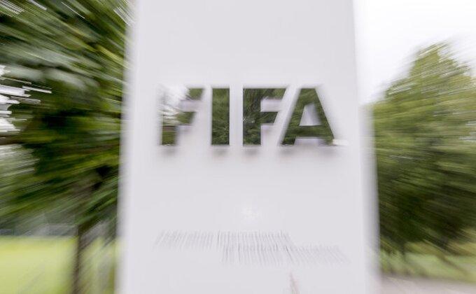"""FIFA """"pere"""" ruke, """"Profesor"""" pred novim angažmanom?"""