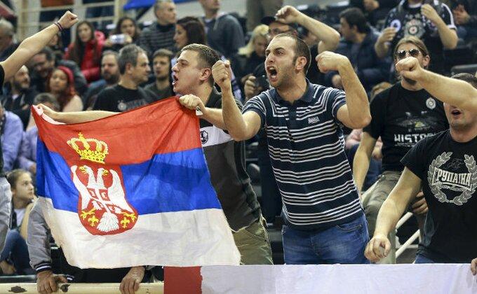 Ne pomažu Holden i fudbaleri - Partizan gubi na poluvremenu (TVITOVI)