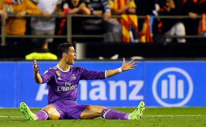 Valensija komplikuje borbu za titulu, Real oboren!