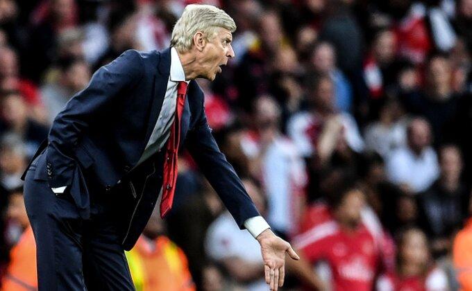 Kakav dan u Arsenalu, šta će navijači poručiti Vengeru posle ovog?