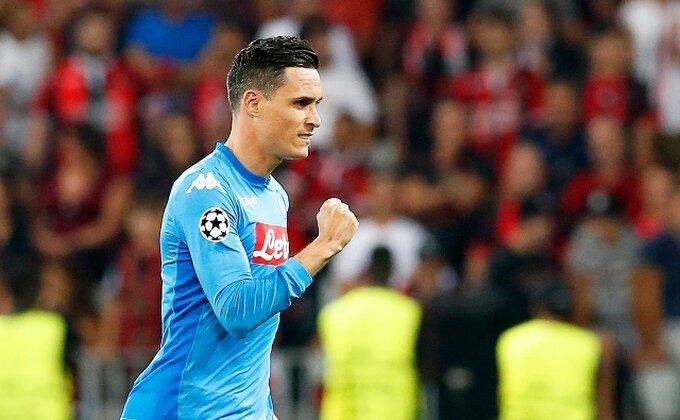 Napoli nastavio poteru za Juventusom, Lacio poklekao sa igračem manje