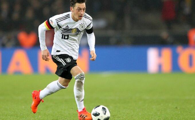 Nemački mediji - Ozil odbio ove četiri ponude zbog Arsenala!