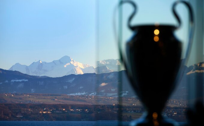 "LŠ - Nasleđe ""šampanjca"" iz Klempavka, deset razloga zbog kojih ne bi trebalo da spavate na klupi"