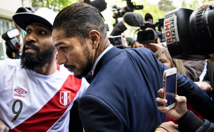 Peru u suzama - Kapiten propušta Mundijal!