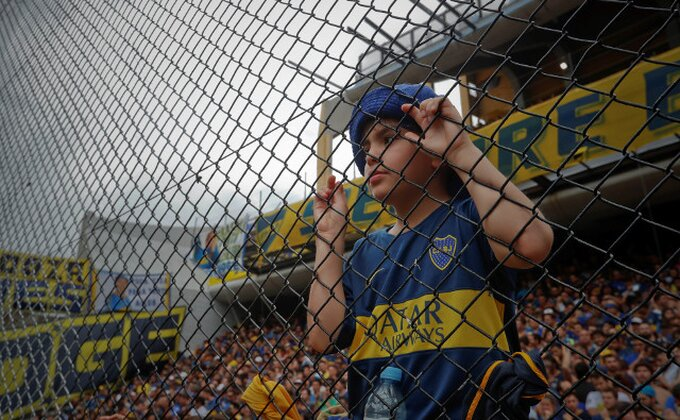 Ma kome je do fudbala, otkazan derbi Kopa Libertadores!
