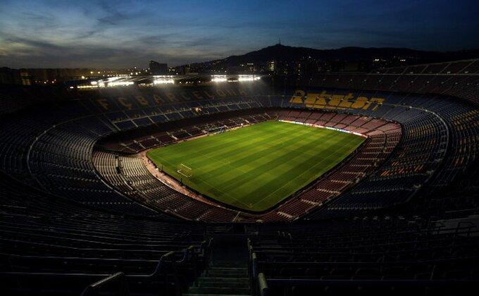 Barselona otkrila bistu legendi!