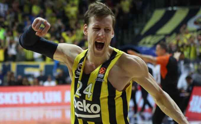 Veliki potpis - Jan Veseli korak bliži povratku u Partizan?