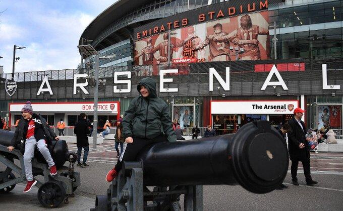 Kako je Arsenal izgubio još jedan derbi Severnog Londona i ko su najveće želje uprave za mesto šefa struke?