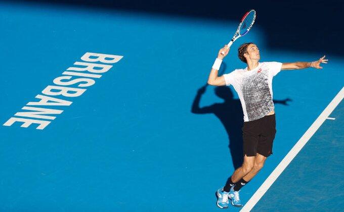 Brizbejn - Medvedev bolji od Raonića, čeka se poslednji polufinalista