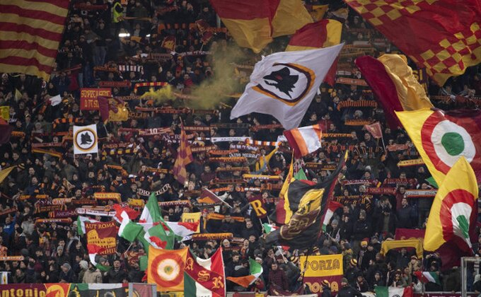 Uželeli ste se navijanja? Pogledajte navijače Lacija i Rome pred veliki derbi!