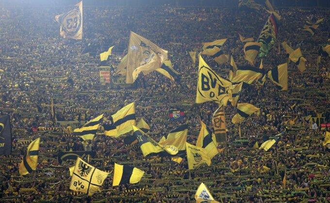 """Poludeo """"žuti zid"""" - Dortmund stigao ogroman zaostatak, ali je fenjeraš odneo bod!"""