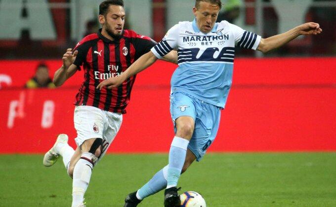 Milan igra opasne igre, Čalhanoglu odlazi kod velikog rivala?