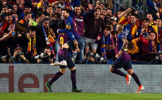 Predstavljeni novi dresovi , ''kockasta'' Barselona!
